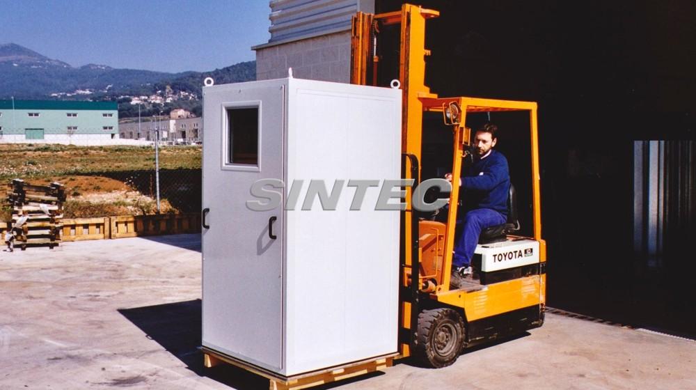 Cabina acústica fácil de transportar mediante grúa o carretilla elevadora.