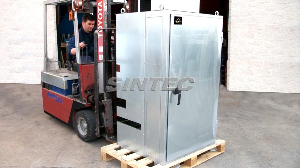Pequeña cabina acústica adaptada a pasos de instalaciones existentes.